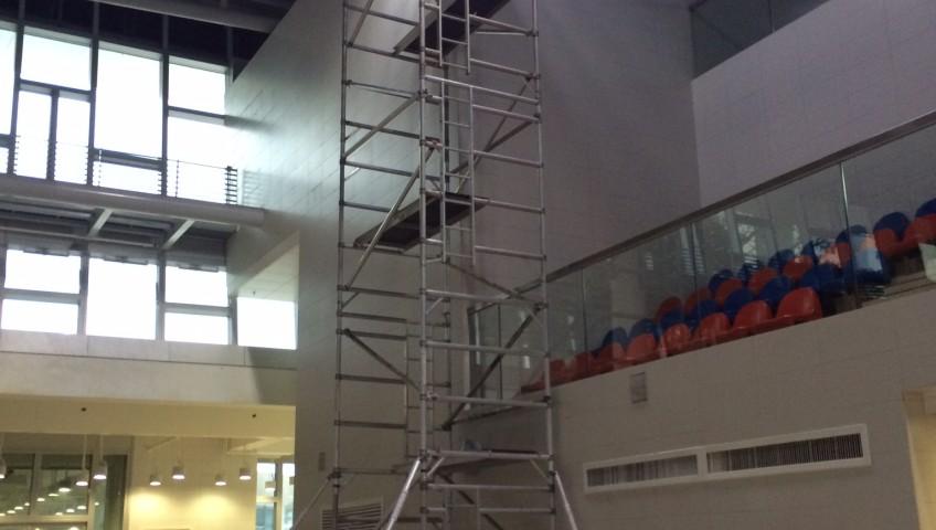 3M / 10M 闊架在沙田體育學院泳池旁